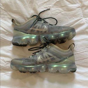 Grey/silver shimmer Nike Vapormax!